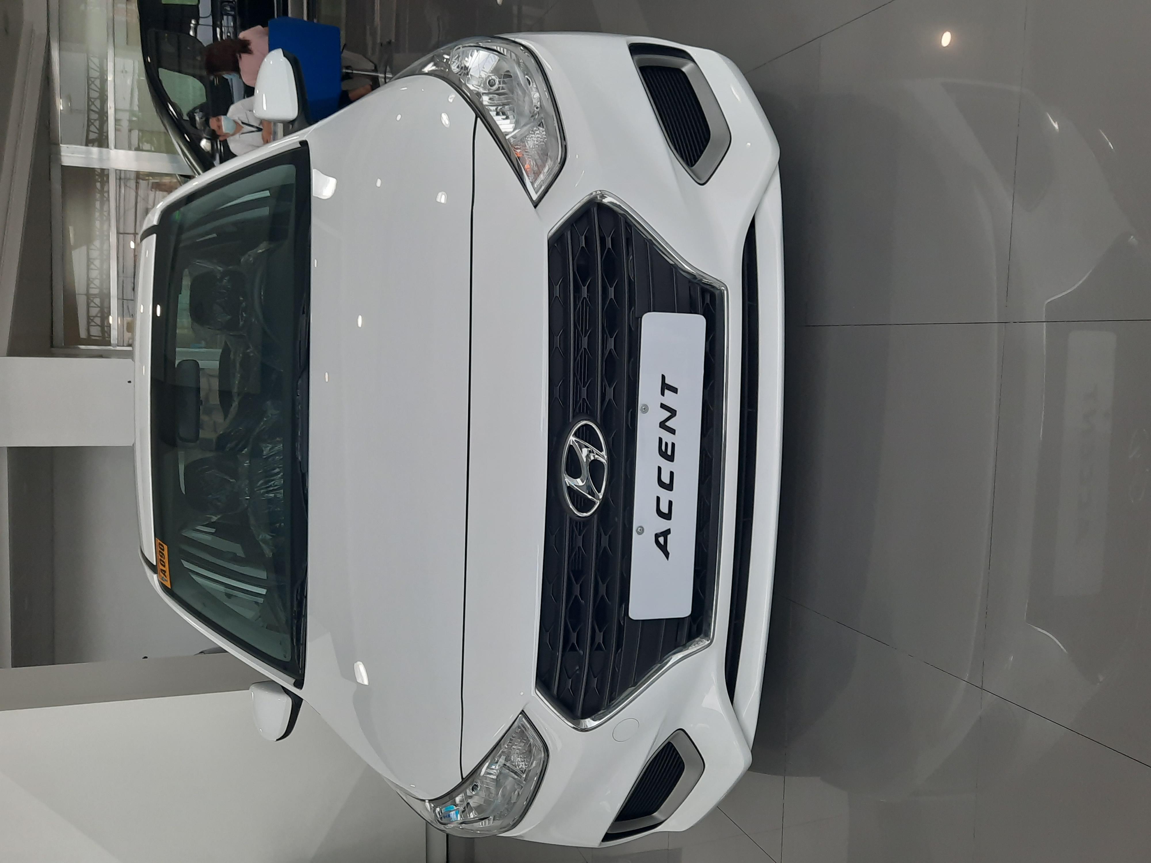 Hyundai Accent 1.4L GL with AVN Gasoline